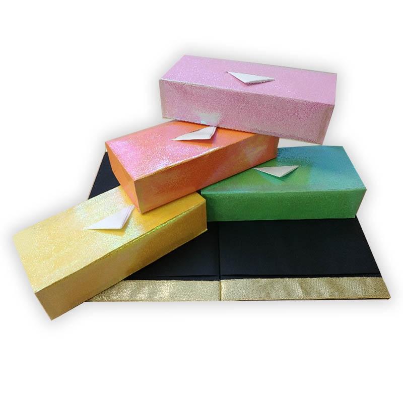 Megjelenő zsebkendős dobozok